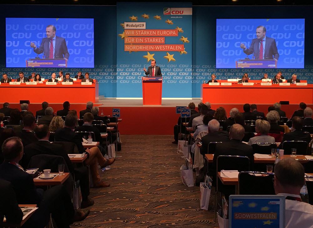 Spitzenkandiat Manfred Weber beim Landesparteitag